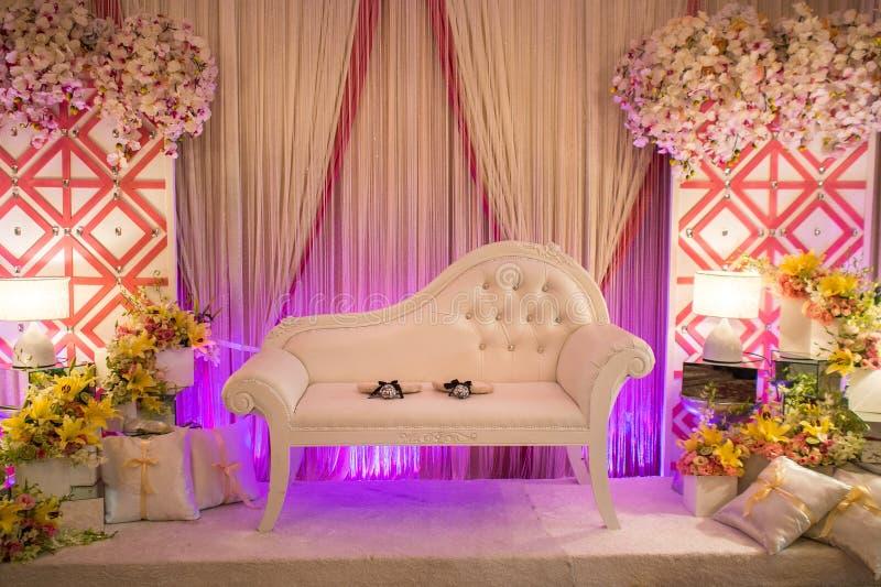 Altar/tarima hermosos de la boda imagen de archivo libre de regalías