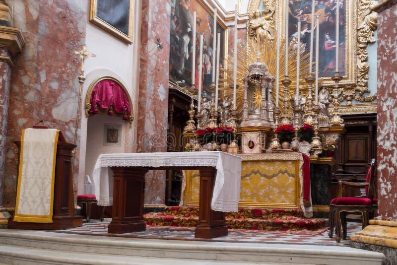Altare av den Carmelite priorskloster och kyrkan, Mdina arkivfoton