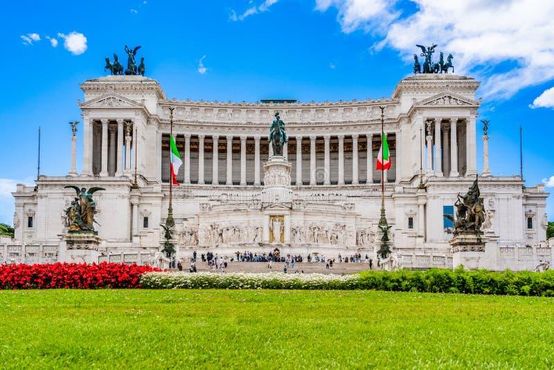 Altare av fäderneslandmonumentet till Victor Emmanuel II den första konungen av Italien i den Venedig fyrkanten Rome, Italien arkivbild