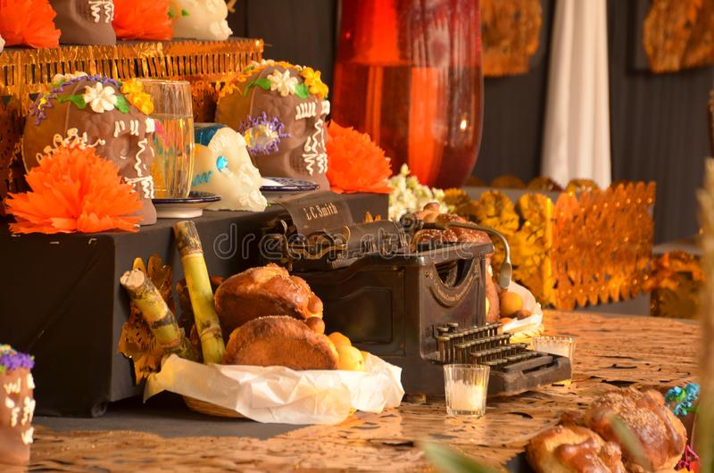 Altare av offerings - DeathÂs dag i Mexico arkivbilder