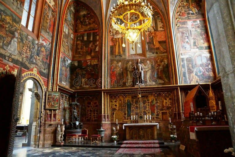 Altare av St Vitus Cathedral i Prague arkivfoto