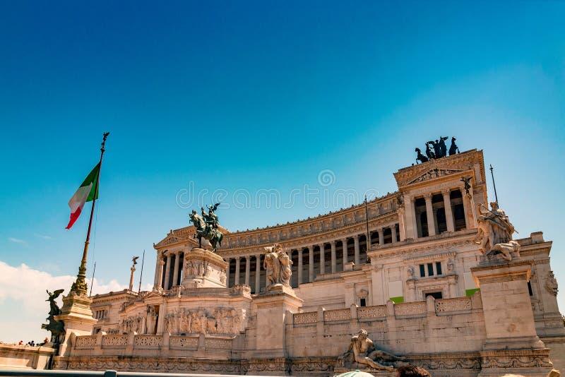 Altare della Patria och monument till Victor Emmanuel i Rome arkivbild