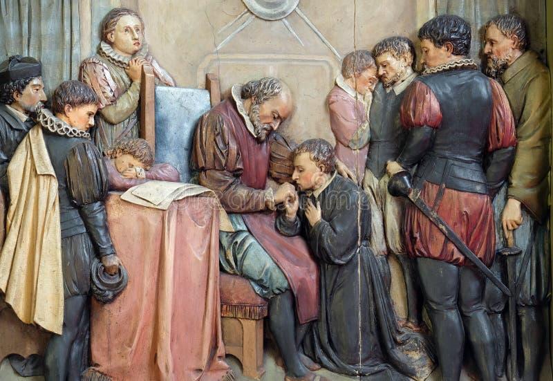 Altare di San Aloysius Gonzaga nella Basilica del Sacro Cuore di Gesù a Zagabria fotografia stock libera da diritti