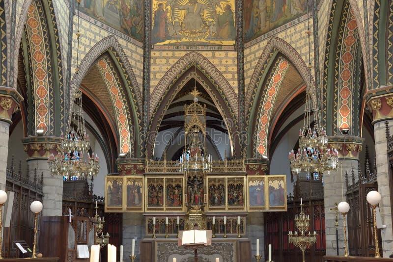 Altare i Sint-Bartholomeuskerk royaltyfri fotografi