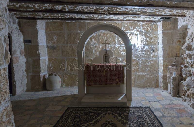 Altare nel seminterrato della chiesa di St Mark - la chiesa ortodossa siriana in vecchia città di Gerusalemme, Israele fotografia stock