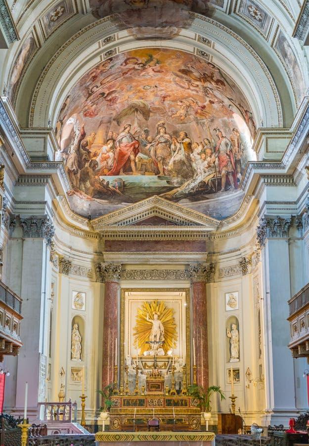 Altare principale con gli affreschi da Mariano Rossi nella cattedrale di Palermo La Sicilia, Italia del sud fotografia stock