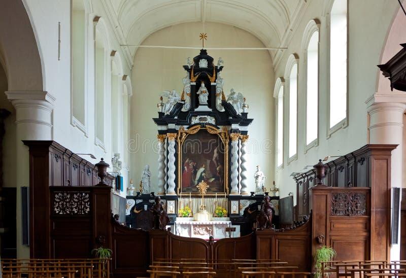 Altaret av den Beguinage kyrkan Bruges/Brugge, är royaltyfri foto