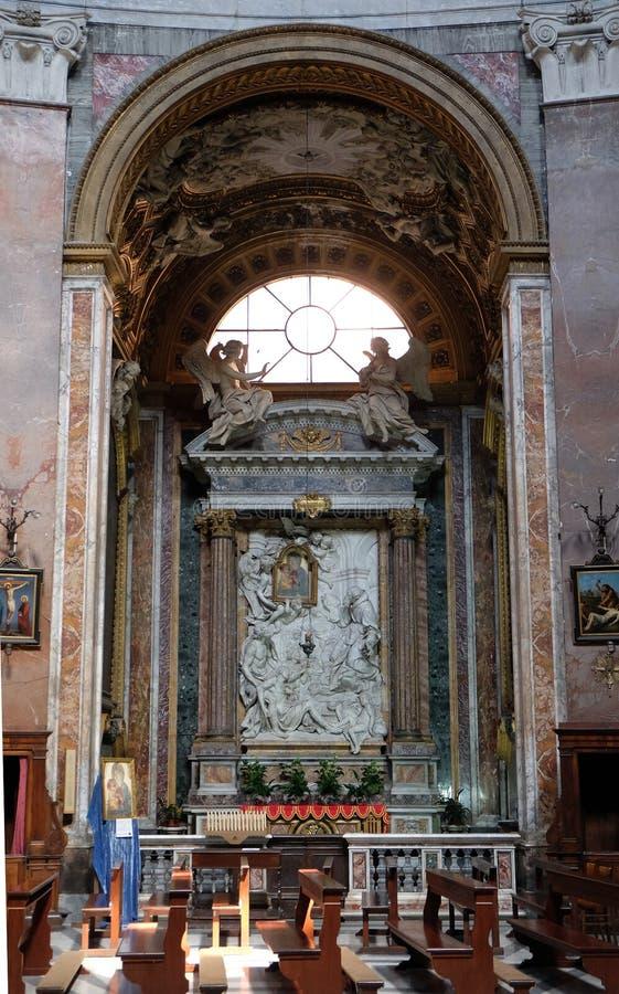 Altarpiece в часовне нашей дамы чудес, церков Сан Giacomo в Augusta в Риме стоковые изображения rf