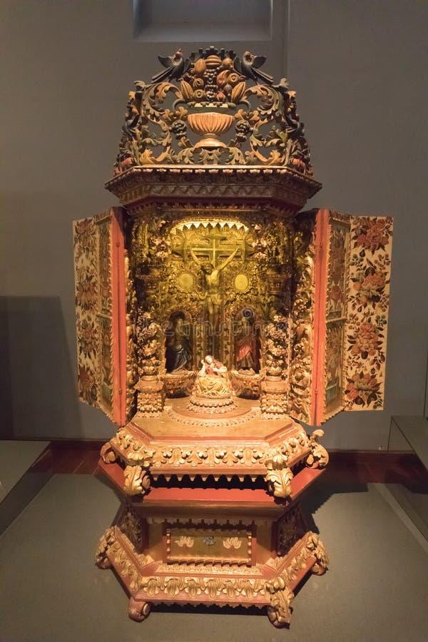 Altartavla Bogota för nationellt museum i snidit polychrome trä royaltyfri foto
