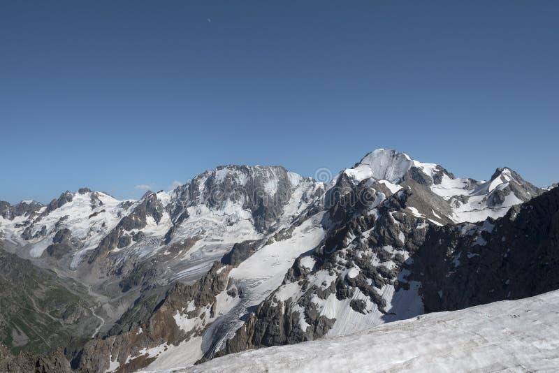 Altas montañas foto de archivo libre de regalías