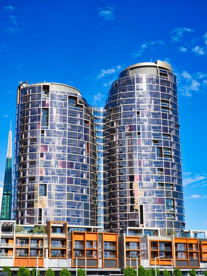 Altas torres del apartamento de la subida, Perth, Australia occidental imagen de archivo