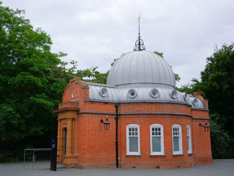 Altazimuthpaviljoen bij het Koninklijke Waarnemingscentrum Greenwich, Koninklijke Musea Greenwich, Londen, het UK royalty-vrije stock afbeeldingen