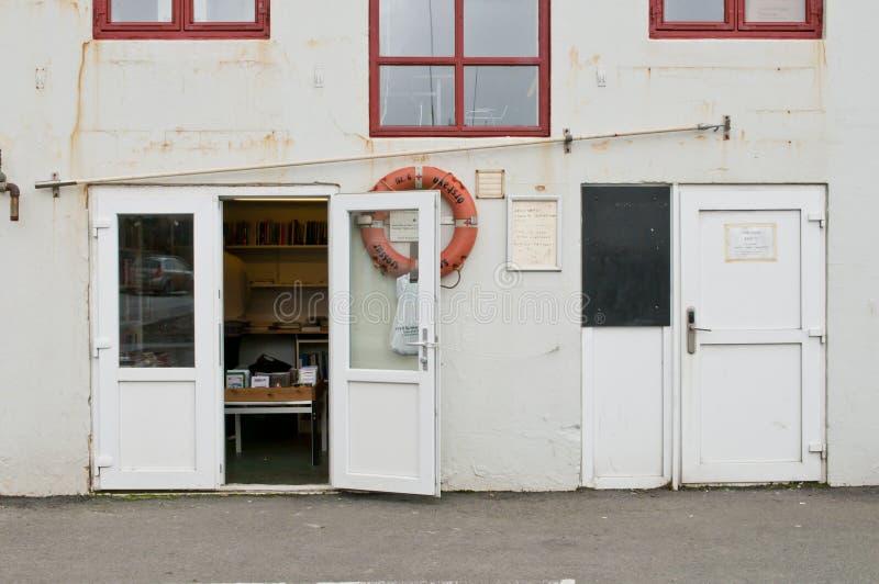 Altbau in Färöern ernstlich lizenzfreie stockfotografie