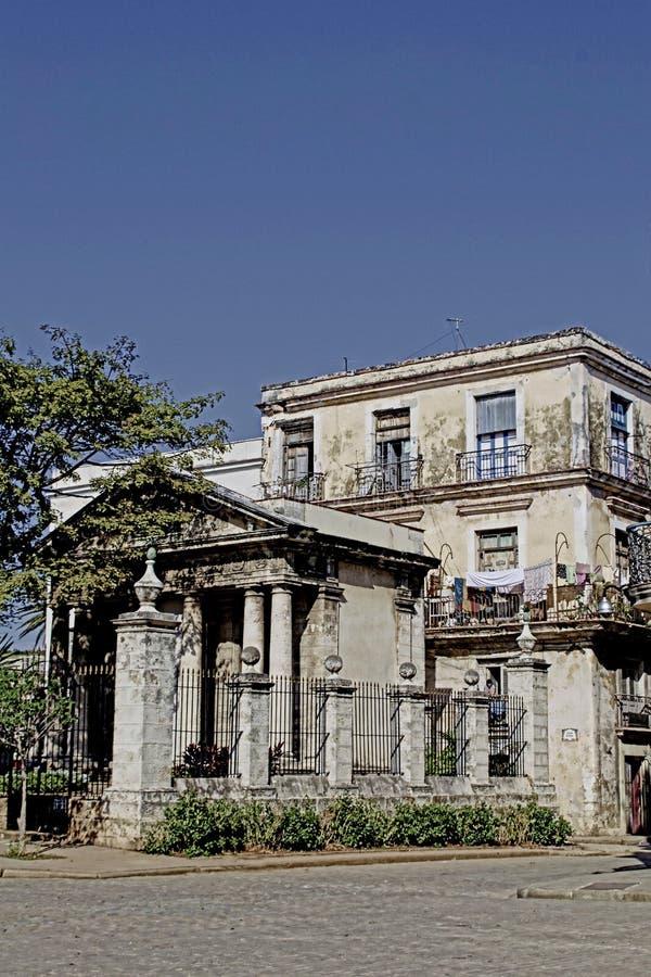 Altbau in Kuba stockbilder