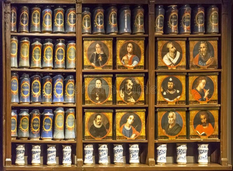 Alte Apotheke Llivia lizenzfreie stockbilder