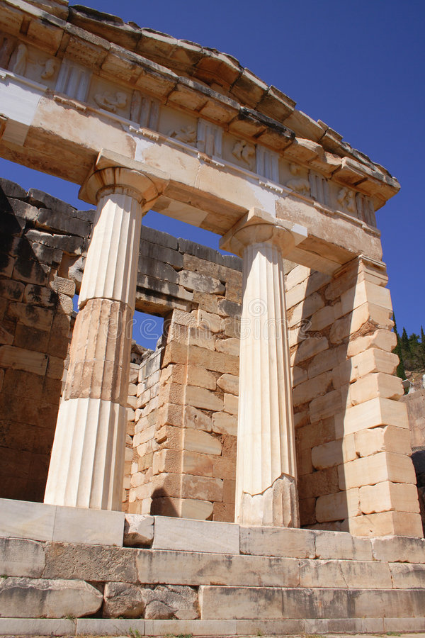 Alte Architektur in Delphi, Griechenland lizenzfreies stockbild