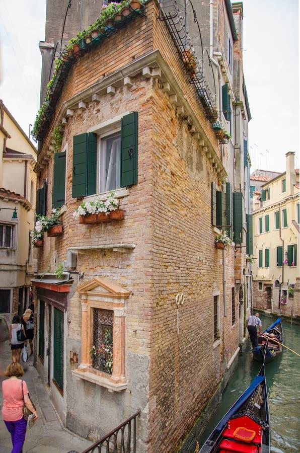 Alte Architektur, touristische Wege von Venedig lizenzfreie stockfotografie