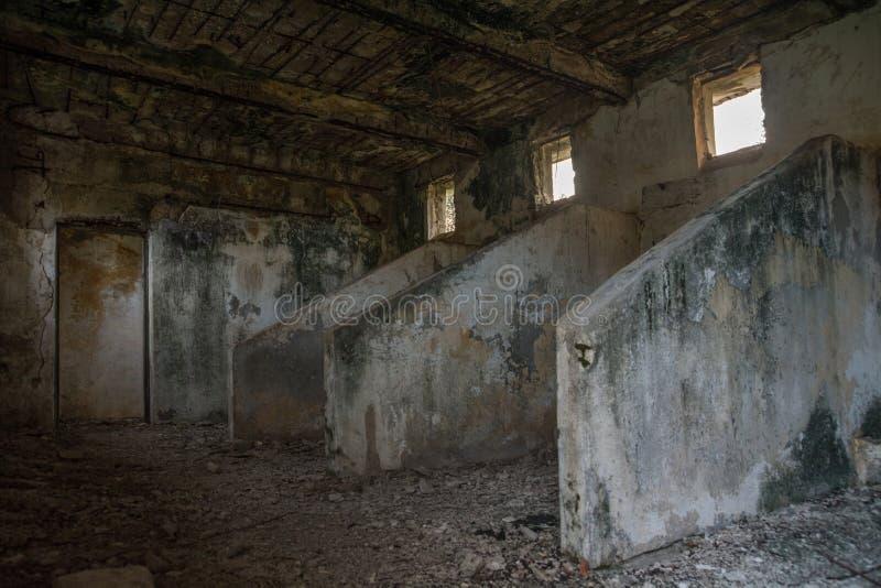 Alte belichtete Scheunenställe der britischen Armee stockfotografie