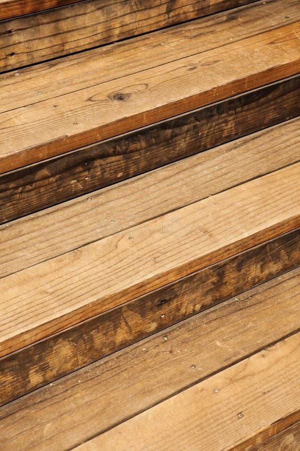 Alte Beschaffenheit Browns des hölzernen Treppenhauses lizenzfreies stockfoto