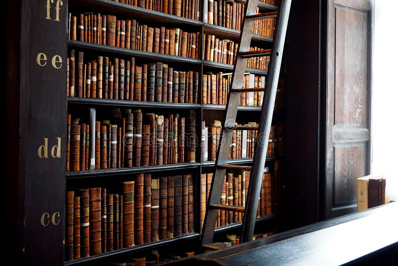 Alte Bibliothek Bookstacks stockfoto