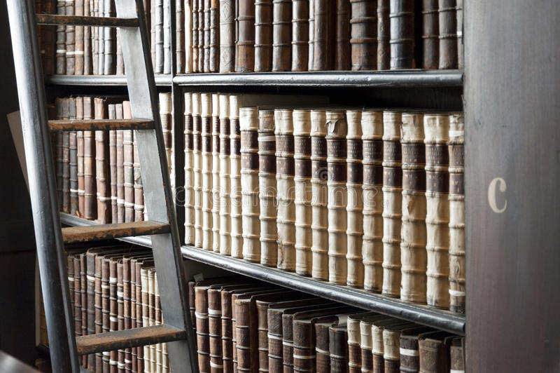 Alte Bibliothek, Dreiheits-College, Dublin, Irland lizenzfreies stockfoto