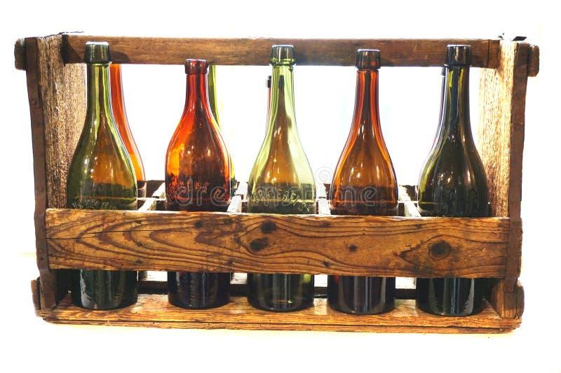 alte Biergläser lokalisierten lizenzfreies stockbild