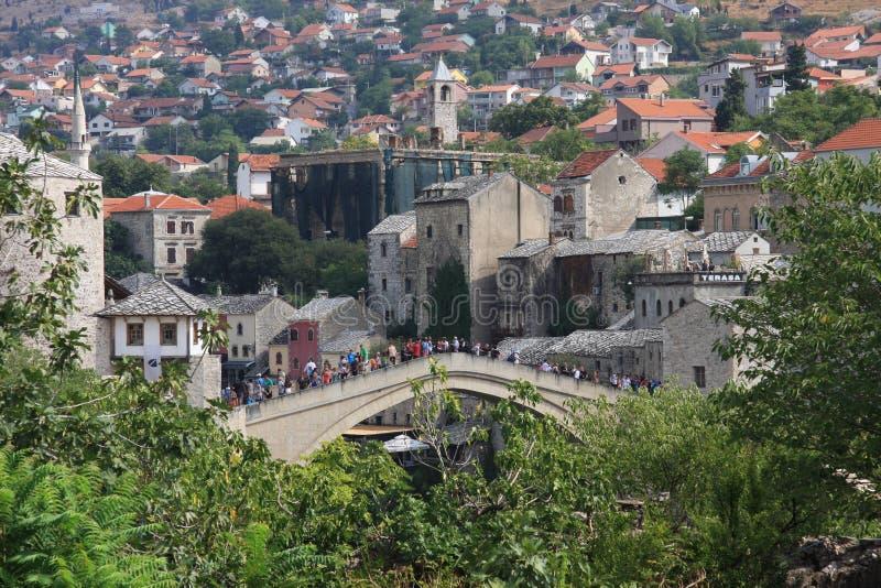 Alte Brücke der alten Stadt von Mostar lizenzfreies stockbild