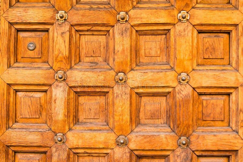 Alte broun Holztürbeschaffenheit stockfotografie