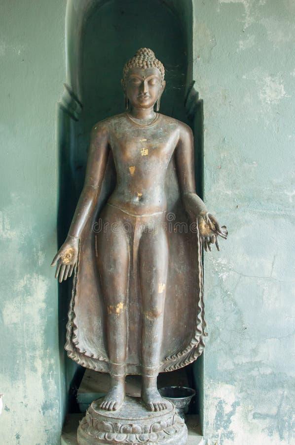 Alte Buddha-Statue in Tempel phayao, Thailand lizenzfreie stockfotografie