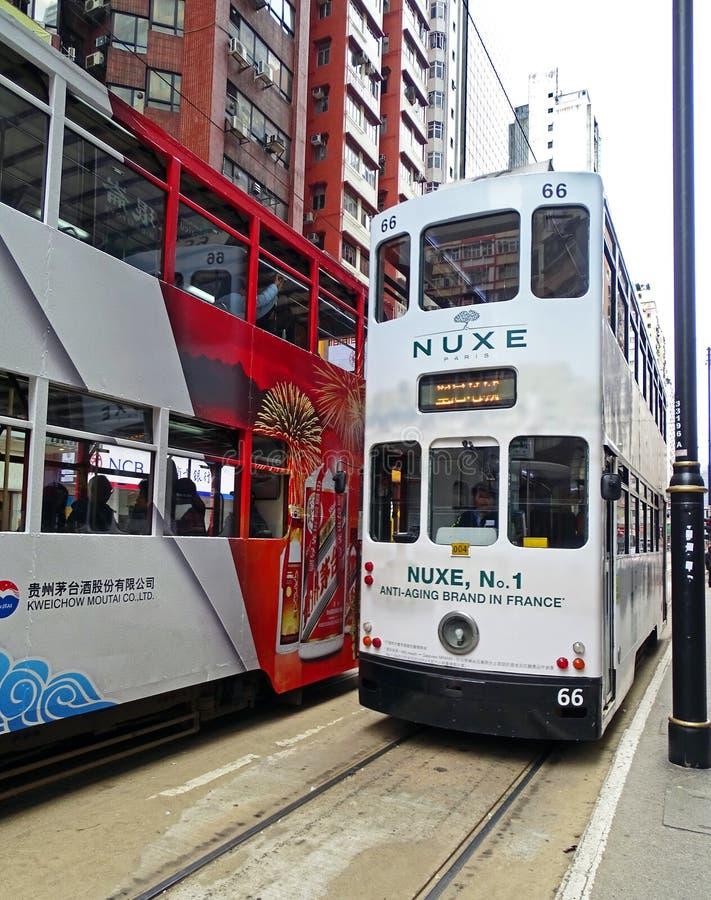 Alte Doppeldecker-Straßenbahnen in North Point, Hong Kong lizenzfreies stockfoto