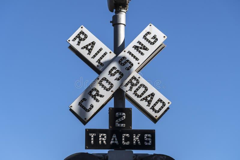 Alte Eisenbahnüberquerung Signalzeichen stockbild