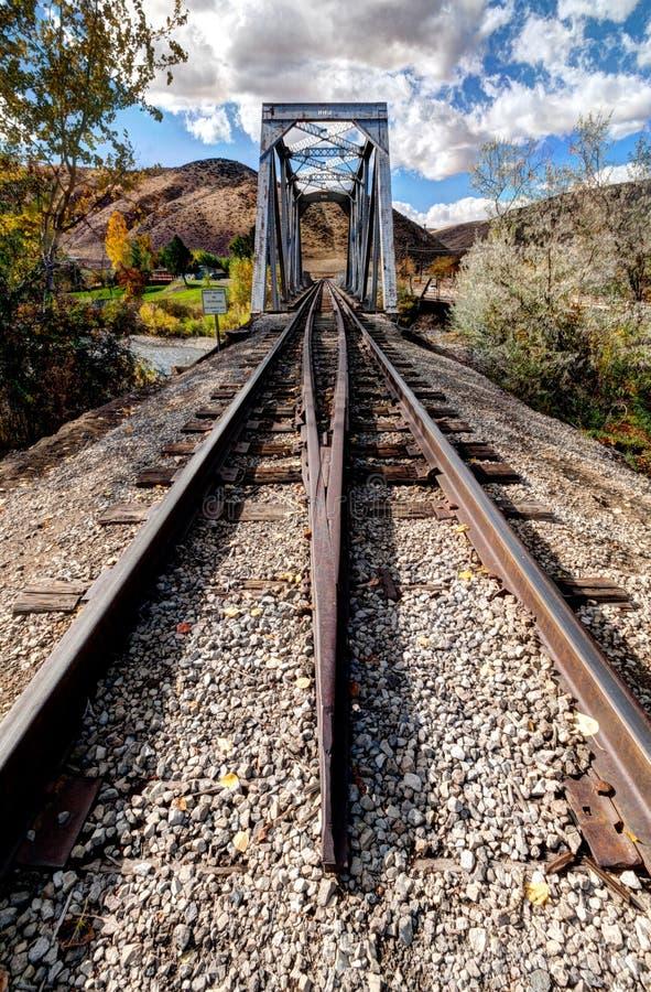 Alte Eisenbahn-Brücke lizenzfreies stockbild