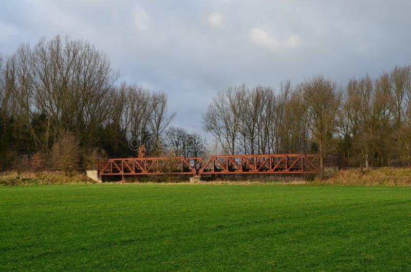 Alte Eisenbahnbrücke stockfotos