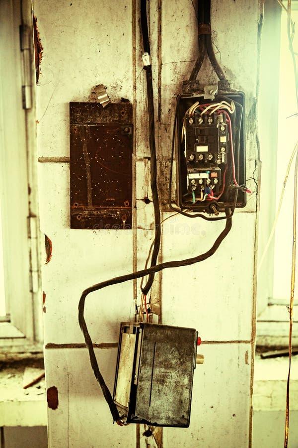Alte Elektrische Verdrahtung Stockbild - Bild von leitungen ...