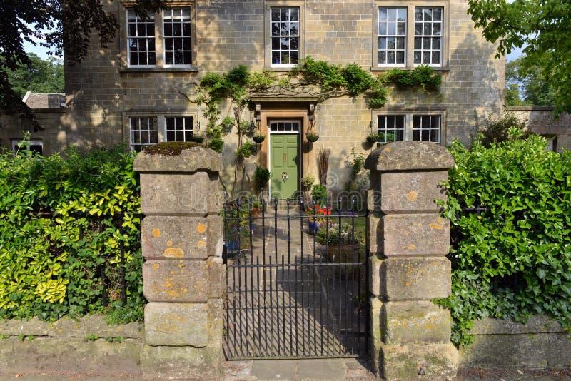 Alte englische Villa stockfotos