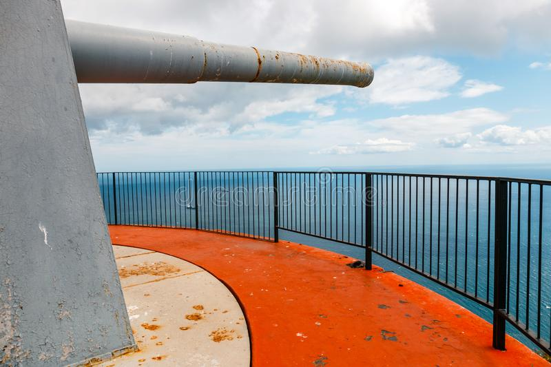 Alte enorme Kanone am Europapunkt lizenzfreie stockfotografie