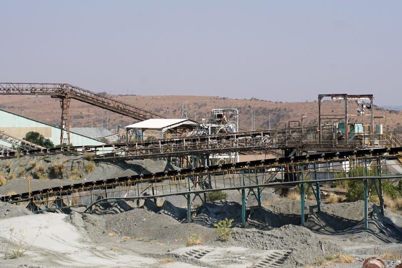 Alte Förderbänder am ersten Diamanten gewinnen in Cullinan, Südafrika stockbilder