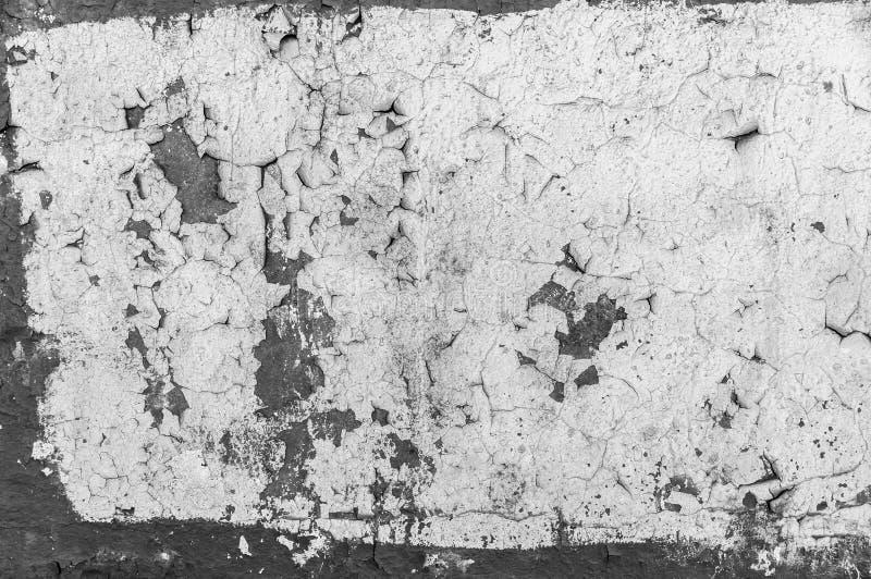 Alte gebrochene Farbe auf der Betonmauer Schalenfarbe auf Wandbeschaffenheit Muster des rustikalen blauen Schmutzmaterials stockfoto