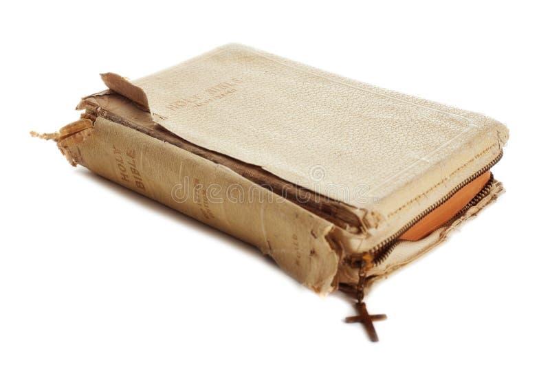 Alte getragene heilige Bibel stockfoto