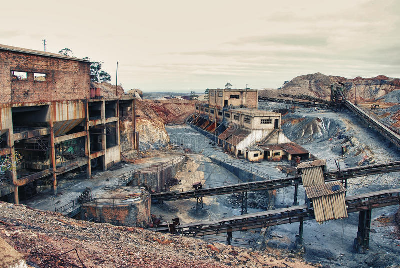 Alte große Minenindustrie lizenzfreie stockfotografie