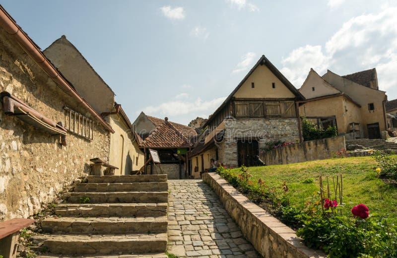 Alte Häuser und Straßen in der mittelalterlichen Festung Rasnov Istria in Rumänien Touristenattraktion von Rumänien lizenzfreies stockbild