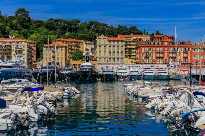 Alte hölzerne Boote in Lympia-Hafen in Nizza Frankreich lizenzfreies stockfoto