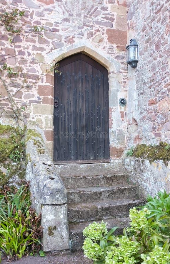 Alte hölzerne Schloss-Tür lizenzfreies stockfoto
