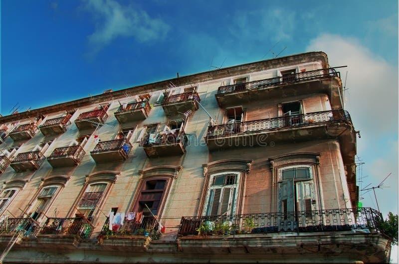 Alte Havana-Gebäudefassade stockfoto