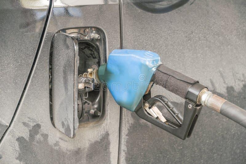 Alte Heizöl- und Ölzufuhren des Blaus stockbilder