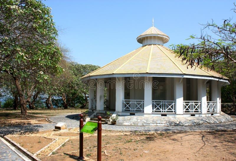 Alte historische Gebäude in Srichang-Insel, Thailand lizenzfreie stockfotos