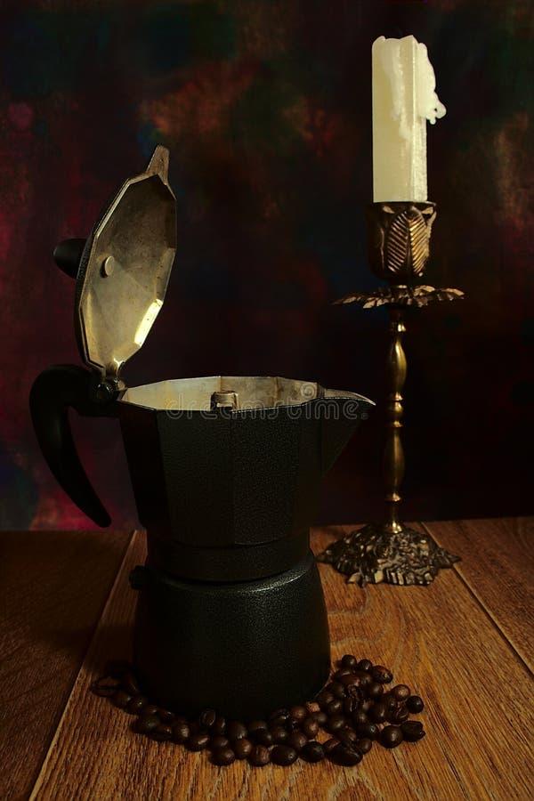 Alte Kaffeemaschine stockfotos