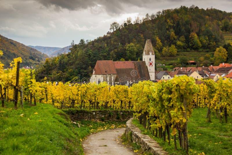 Alte Kirche im Spitz, Österreich lizenzfreie stockbilder