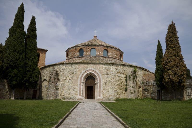 Alte Kirche in Umbrien, Italien stockbild