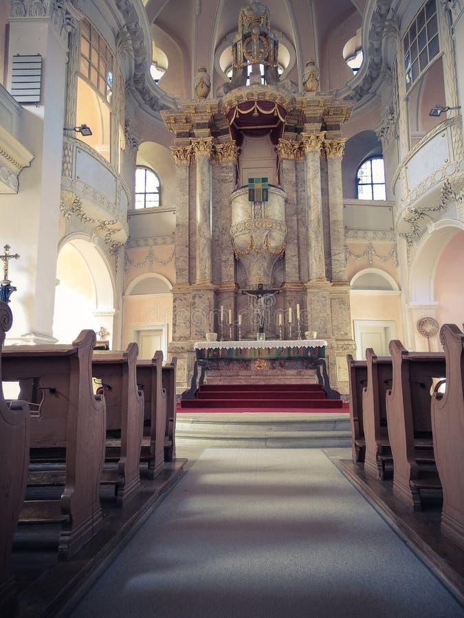 Alte Kirche vom Innere stockbild